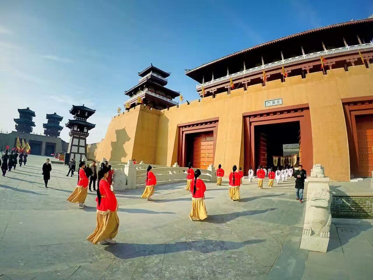 中国汉城汉宫景区